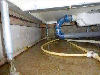 床下水漏れ