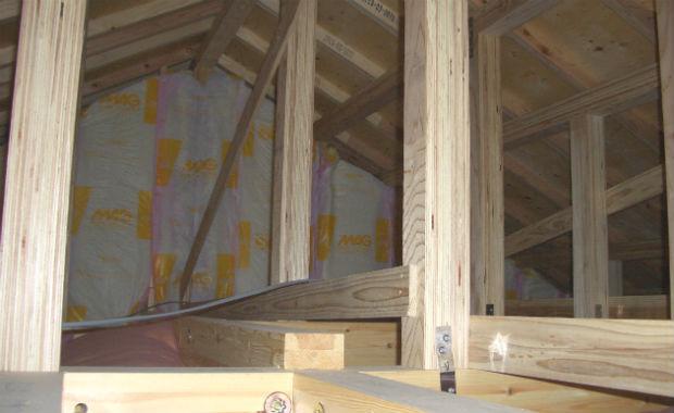 一戸建ての内覧会では屋根裏も要確認